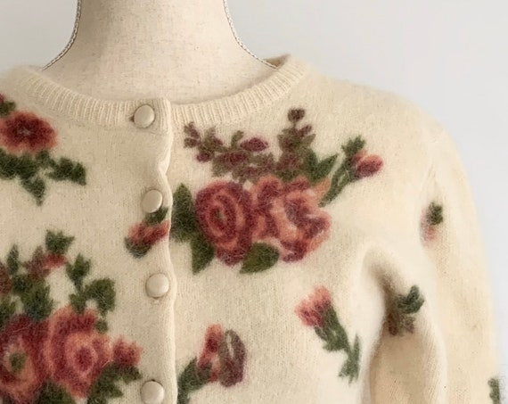 Cropped Angora Cardigan Sweater with Rose Floral Print Vintage 80s Express Tricot Made in British Crown Colony of Hong Kong Women's XS