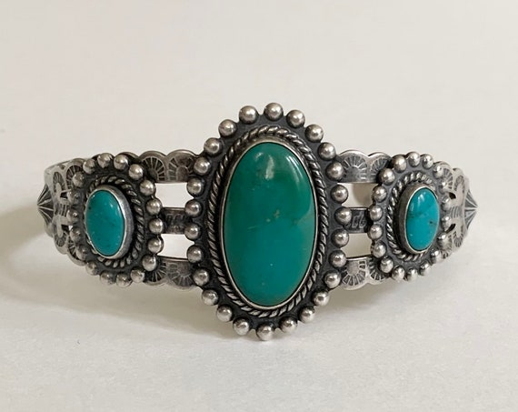 Jane Popovich Turquoise Bracelet Cuff Vintage 30s Fred Harvey Era Native American Navajo Hand Stamped Band Artist Signed JP