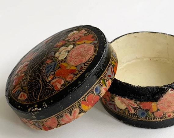 Lacquer Wood Trinket Box with Lid Small Wooden Jewelry Ring Boxes Vintage Hand Painted Floral Flowers