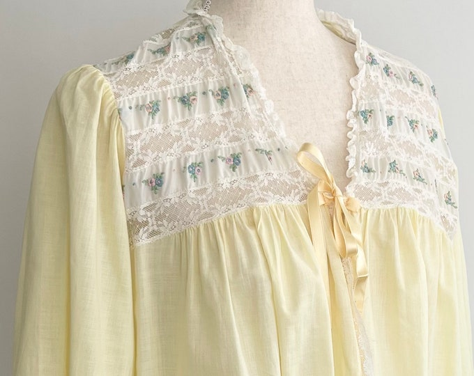 Lightweight Embroidered Dressing Gown Robe Vintage Forty Winks Pale Yellow Gown White Lace Floral Embroidery Tie Neck Rayon S