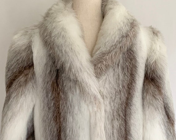 Faux Fox Fur Coat Jacket Vintage 70s 80s Winter Mid Length Overcoat White Beige Gray Vegan Synthetic Fur Made in USA Women's XS