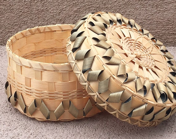 Jane Zumbrunner Basket Micmac Native American Circle Round with Lid Vintage 90s Artist Signed