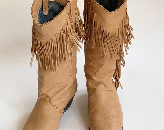 Tan Fringe Cowboy Boots Women's 6.5 Suede Made in Mexico Western Cowgirl Style Tan Brown Minor Wear