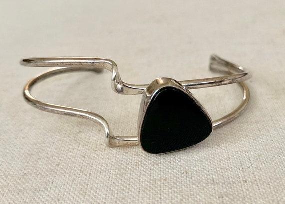 Asymmetrical Black Onyx Cuff Bracelet Sterling Silver Wavy Split Shank Band Artist Signed JENN