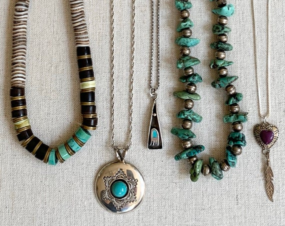 Boho Stackable Handmade Necklace Vintage Artisan Native American Heishi Sterling Silver Turquoise Nugget Olive Shell Shadowbox