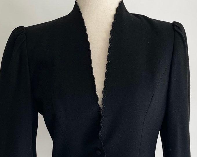 Scallop Trim Black Blazer Jacket Vintage 80s Sasson Paris New York Made in Hong Kong Solid Minimalist Size XS