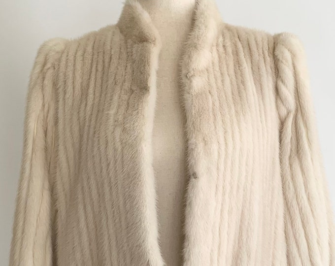White Tourmaline Mink Coat Vintage Marquise for Toledo Furs Icy Gray Velvet Lined Pockets Monogrammed Satin Lining Winter Jacket Size XS