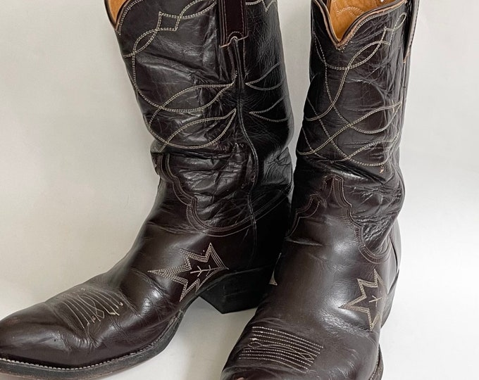 Mens 10 Cowboy Boots Vintage Justin Made Fort Worth TX USA Distressed Dark Espresso Brown Leather Western Stitched Details Marked Size 10D