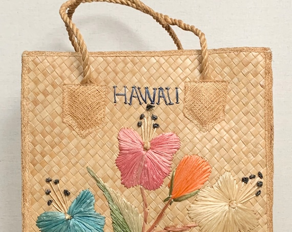 Vintage Hawaii Straw Bag Tote Top Handle Purse Retro Vintage Mid Century Vacation Souvenir Floral Embroidered Beach Bag