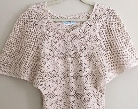 White Crochet Knit Top Shirt Blouse Vintage 60s Knit Floral Hippie Folk Music Festival Women's XS S