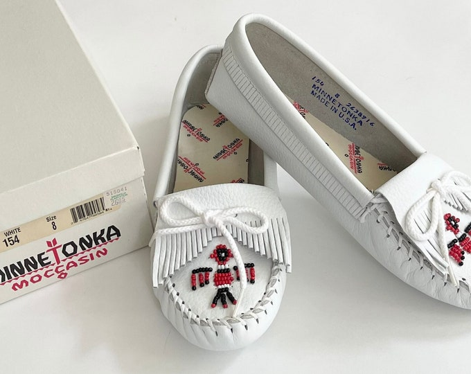 Vintage Minnetonka Moccasins 8 8.5 Womens Made in USA New in Original Box White Leather Beaded Thunderbird Slip On Flats Shoe Slippers