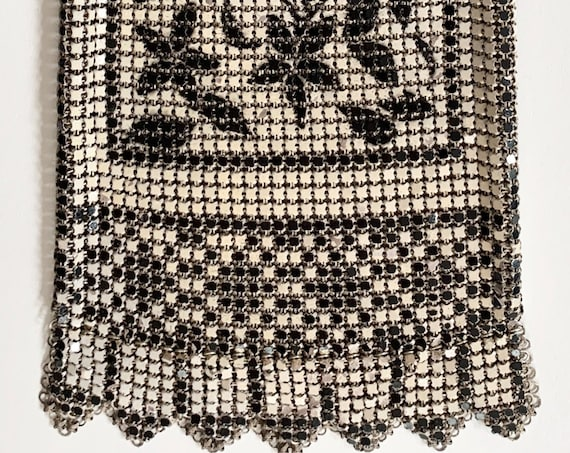 Antique 20s Whiting & Davis Mesh Purse Vintage Flapper Style Black White Metal Chain Mail Silver Tone Frame Chain Strap Wristlet Evening Bag