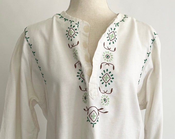 Embroidered White Cotton Tunic Top Peasant Folk Handmade Vintage 60s 70s Flower Embroidery XS S