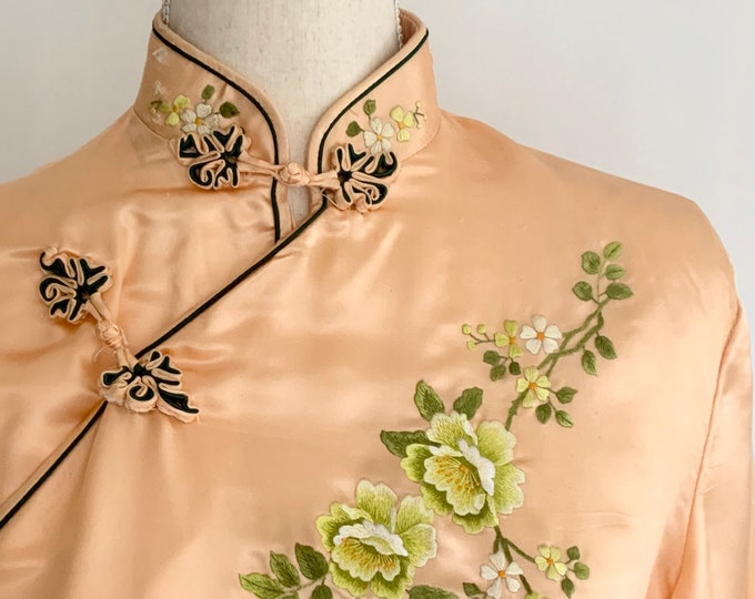 Embroidered Silk Cheongsam Dress Vintage Mid Century Heavy Weight Peach Silk Frog Closure Long Sleeve Cocktail Dress Size XS