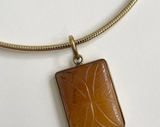Etched Jade Brass Pendant Necklace Slinky Gold Tone Serpentine Chain Choker Vintage Statement Necklace Amber Jade Rectangle Medallion
