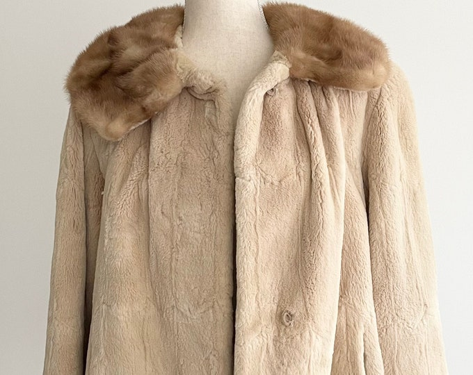 Soft Blonde Fur Jacket Coat with Light Brown Mink Collar Vintage 50s 60s Helen of Memphis Monogrammed Floral Satin Lining XS