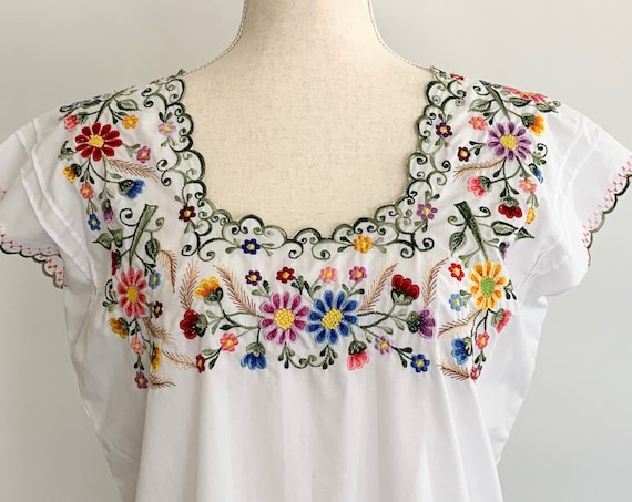 Embroidered Mexican Tunic Top Vintage White Cotton Blend Floral Embroidery Hippie Folk Festival Tribal Boho Size S