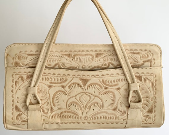 Beige Tooled Leather Purse Handbag Vintage 70s Flores Bags Mexico Hand Tooled Floral Design Divided Interior Zip Top Large Size