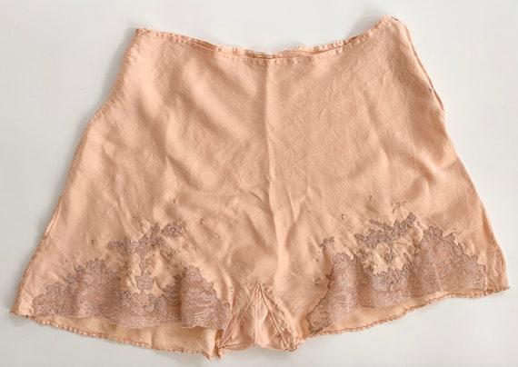 Antique Silk Tap Shorts Pants Handmade Vintage 30s Lingerie Sleepwear Undergarment Peach Champagne Lace Trim Floral Embroidery XS S