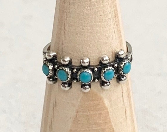 Snake Eye Turquoise Ring Band Single Row Turquoise Sterling Silver Petit Point Stackable Vintage Native American Zuni Size 7.25