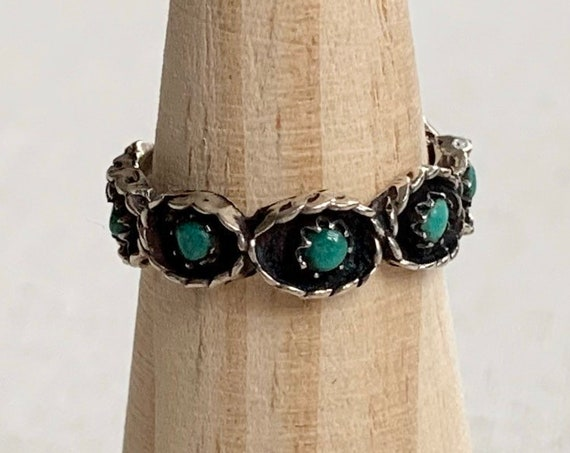 Zuni Green Turquoise Ring Band Vintage Native American Sterling Silver Petit Point Stones Stackable Size 8.5