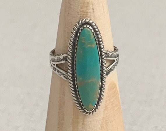 Jane Popovich Turquoise Ring Fred Harvey Era Stamped Split Shank Arrow Stamped Band Native American Navajo Artist Signed JP Size 7.25