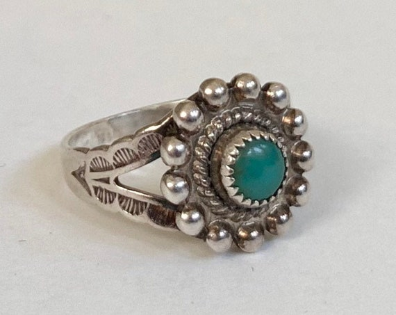 Delicate Turquoise Ring Fred Harvey Era Bead Border Vintage Native American Sterling Silver Stamped Split Shank Band Size 5.25