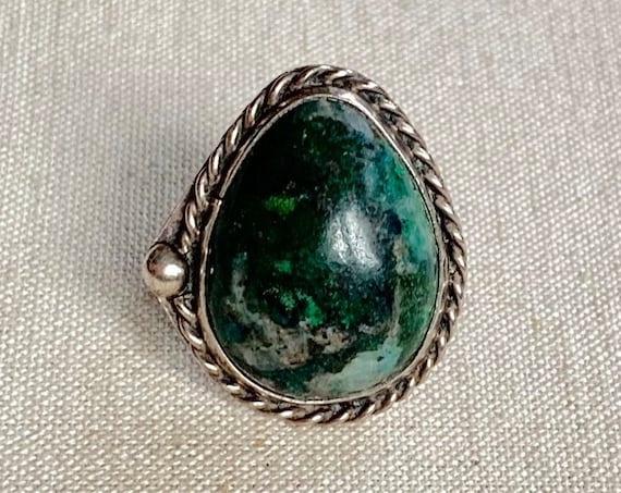 Bing Navajo Ring Vintage Native American Sterling Silver Teardrop Dark Turquoise Green Chrysocolla Twisted Rope Border Size 7
