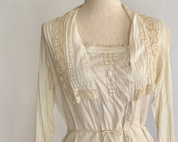 Antique Victorian Blouse New York B Altman & Co All Hand Made Vintage Costume Natural White Cotton Lace Crochet Button Front XS