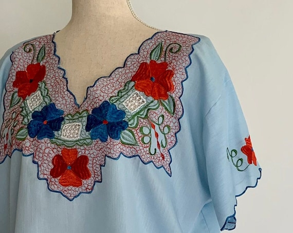 Embroidered Mexican Tunic Top Vintage Pale Aqua Blue Floral Embroidery Hippie Folk Festival Tribal Beach Cover Up Size S M
