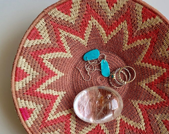 Southwest Basket Bowl Catchall Circle Round Handmade Vintage Desert Tone Colors Pink Beige Khaki Small Size