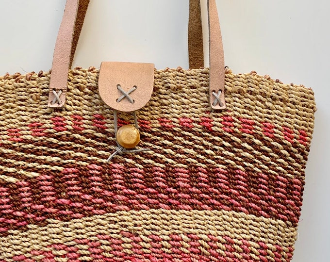 80s Sisal Tote Bag Vintage Straw Purse Leather Straps Beige Brown Blush Pink Beach Bag Woven Wood Button Zip Closure