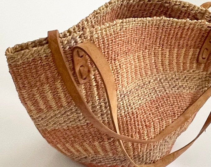 Vintage Sisal Marked Bag Leather Straps Made in Kenya Neutral Faded Beige Blush Pink Stripes Striped Beach Bag Tote Clean Interior