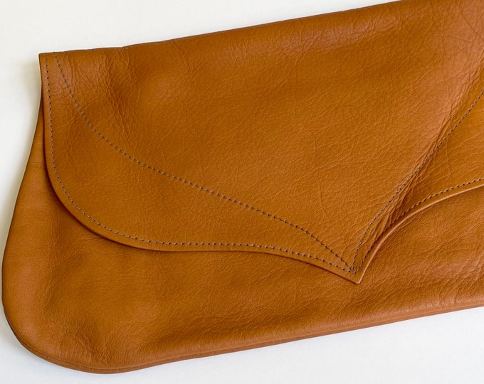 Minimalist Tan Leather Clutch Purse Vintage Lestrade of California Santa Barbara Brass Zip Closure Soft Brown Leather Patina