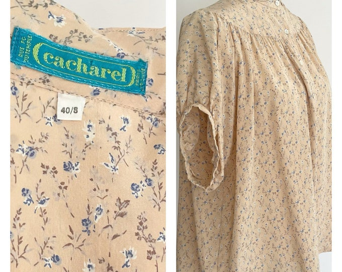 Cacharel Silk Blouse Peter Pan Collar Vintage French Designer Short Sleeve Top Pale Peach Prairie Floral Print Made in France S