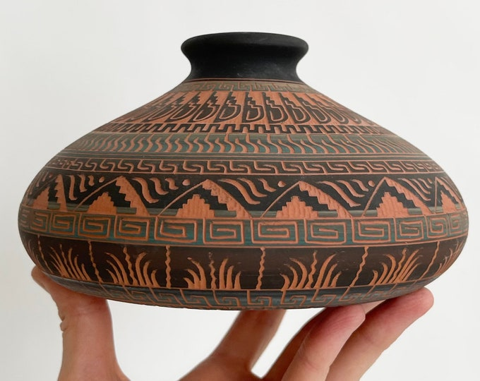 Decorative Navajo Clay Pottery Pot Vase Artist Signed E Etsitty Vintage Native American Fine Art Red Clay