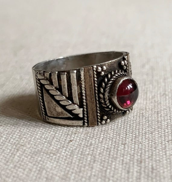 "Sterling Silver Cigar Band Ring Vintage Handmade Womens Ring Round Garnet Stone Wide .5"" Size 8"