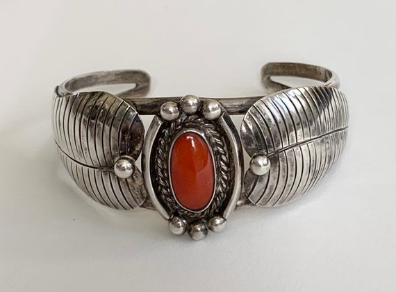 Navajo Bracelet Cuff with Polished Red Coral Stone Vintage Native American Hand Sterling Silver Leaf Split Shank Band Classic Minimalist