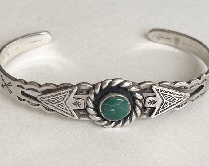 Navajo Turquoise Cuff Bracelet Vintage Fred Harvey Era Child Teen Girl Size Native American Maisels Trading Post Sterling Silver Arrow Band