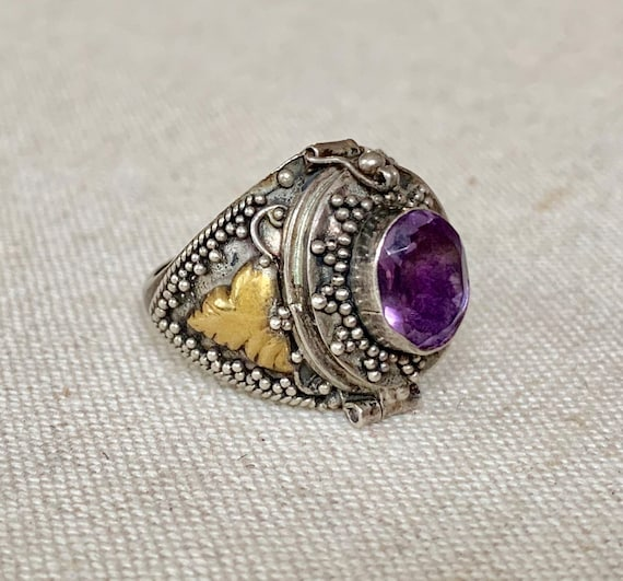 Sterling Silver Poison Ring Vintage Antique Fine Ornate Filagree Filagree Secret Locket Compartment Amethyst Statement Rings Size 6.75