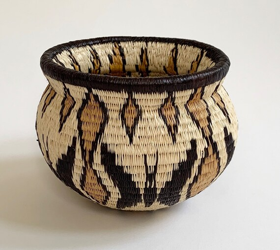 Embera Wounaan Rainforest Basket Bowl Pot Vintage Finely Hand Woven Baskets Beige Black Ochre Butterfly Design