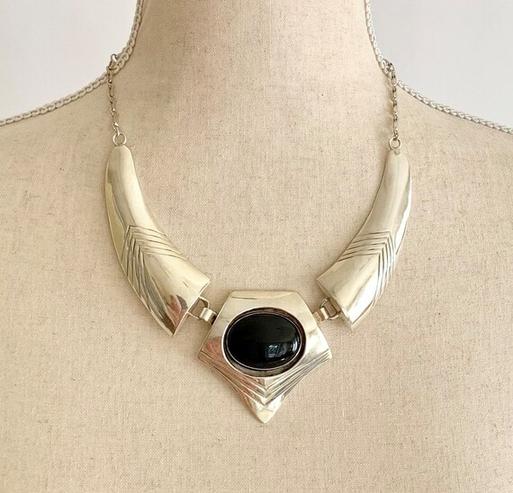 Stunning Sterling Silver Necklace Vintage Native American Artist Signed SB Big Black Onyx Stone Minimalist 65g