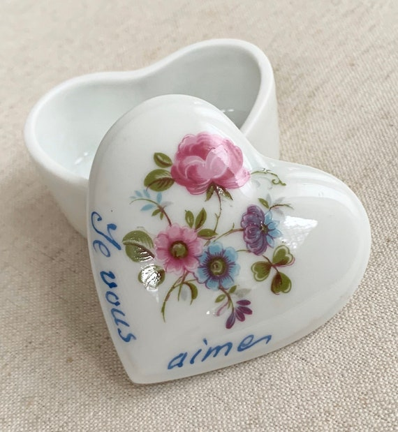 French Limoges Box Heart Shaped Porcelain Vintage Chamart Made in France Small Tiny Jewelry Trinket Box I Love You Je Vous Aime