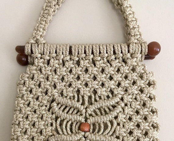 Beige Macrame Purse Handbag Vintage 60s Wood Bead Detail Woven Top Handle Clean Interior