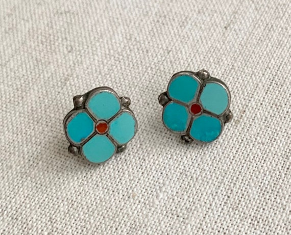 Turquoise Stud Earrings Floral Flower Turquoise Red Coral Flush Inlay Native American Zuni Studs Small Size