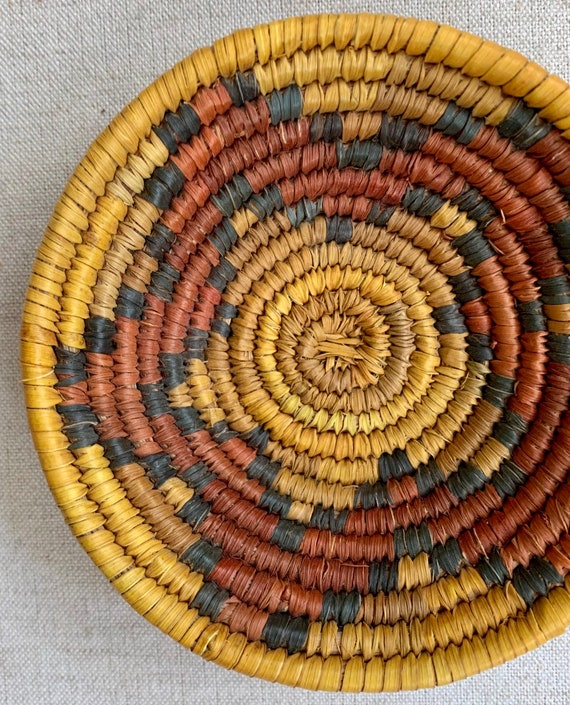 Small Southwest Coil Basket Tray Shallow Bowl Vintage Handwoven Boho Home Decor Jewelry Box