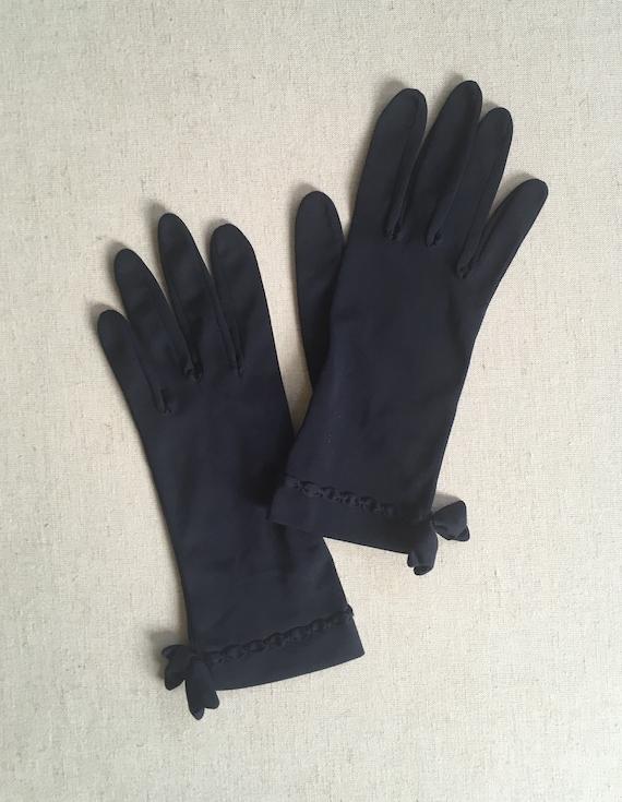 Short Midnight Blue Gloves Vintage Hansen Nylon Kid Gloves Scallop Trim with Bow