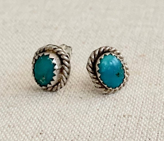 Tiny Turquoise Stud Earrings Vintage Southwest Native American Navajo Sterling Silver Twisted Rope Oval Studs