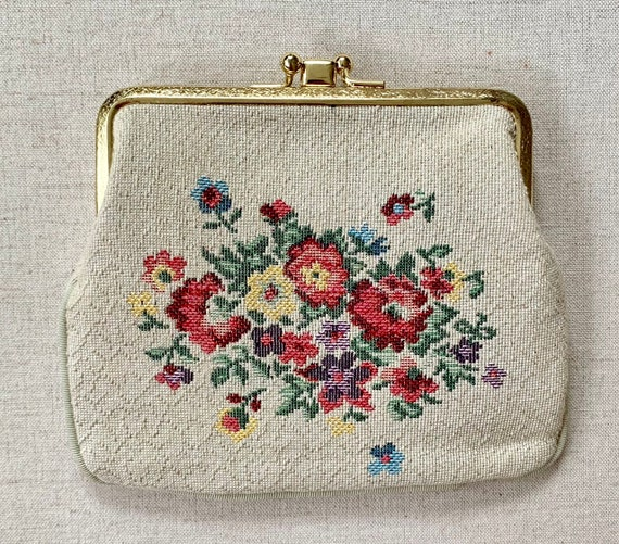 Saks Fifth Avenue Clutch Coin Purse Pouch Needlepoint Victorian Style Vintage 50s Pink Lining Interior Dividers White Cream Pink