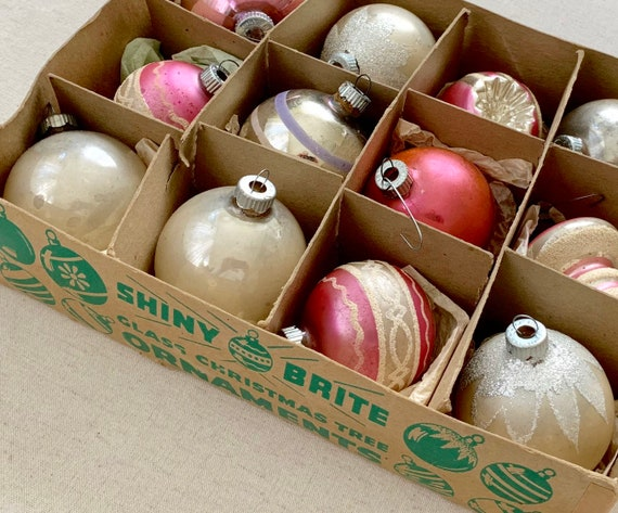 Shiny Brite Glass Ornaments Bulbs Indents Striped UFO Glitter Lot of 12 in Shiny Brite Box Pastel Pink Silver White
